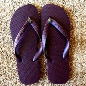 NWT  - Plum Havaianas with Swarovski Flower - 7/8